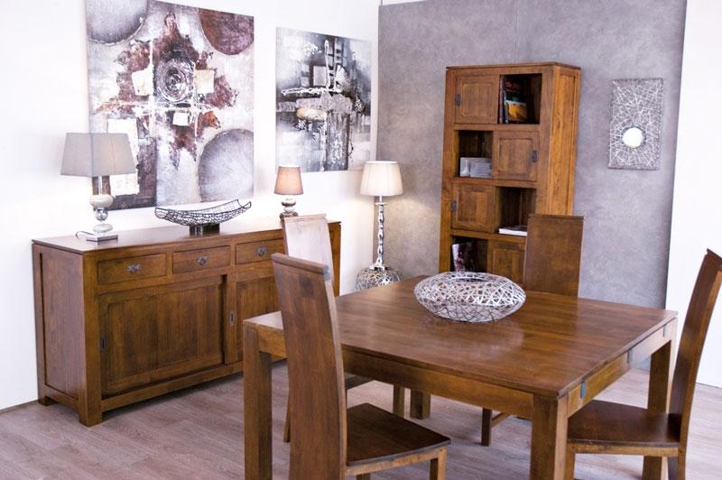 Photo d'ambiance salon table et chaises